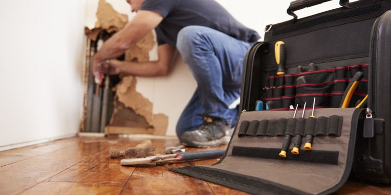 Choosing the Right Restoration Contractor